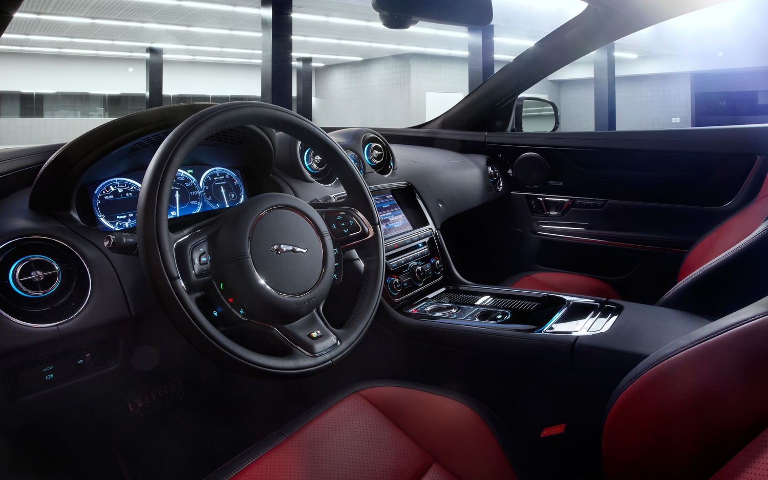 2014 Jaguar XJR Interior
