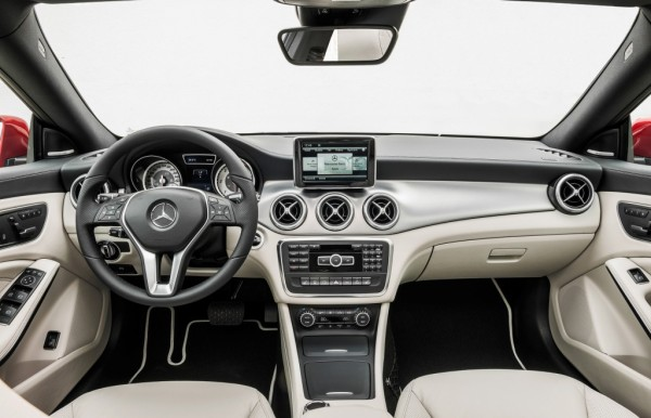 2014 Mercedes-Benz CLA 250 Dashboard