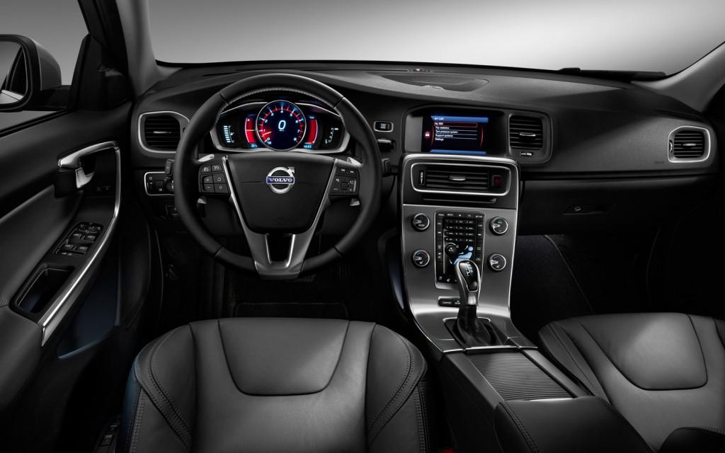 2014-Volvo-XC60-Interior.jpg