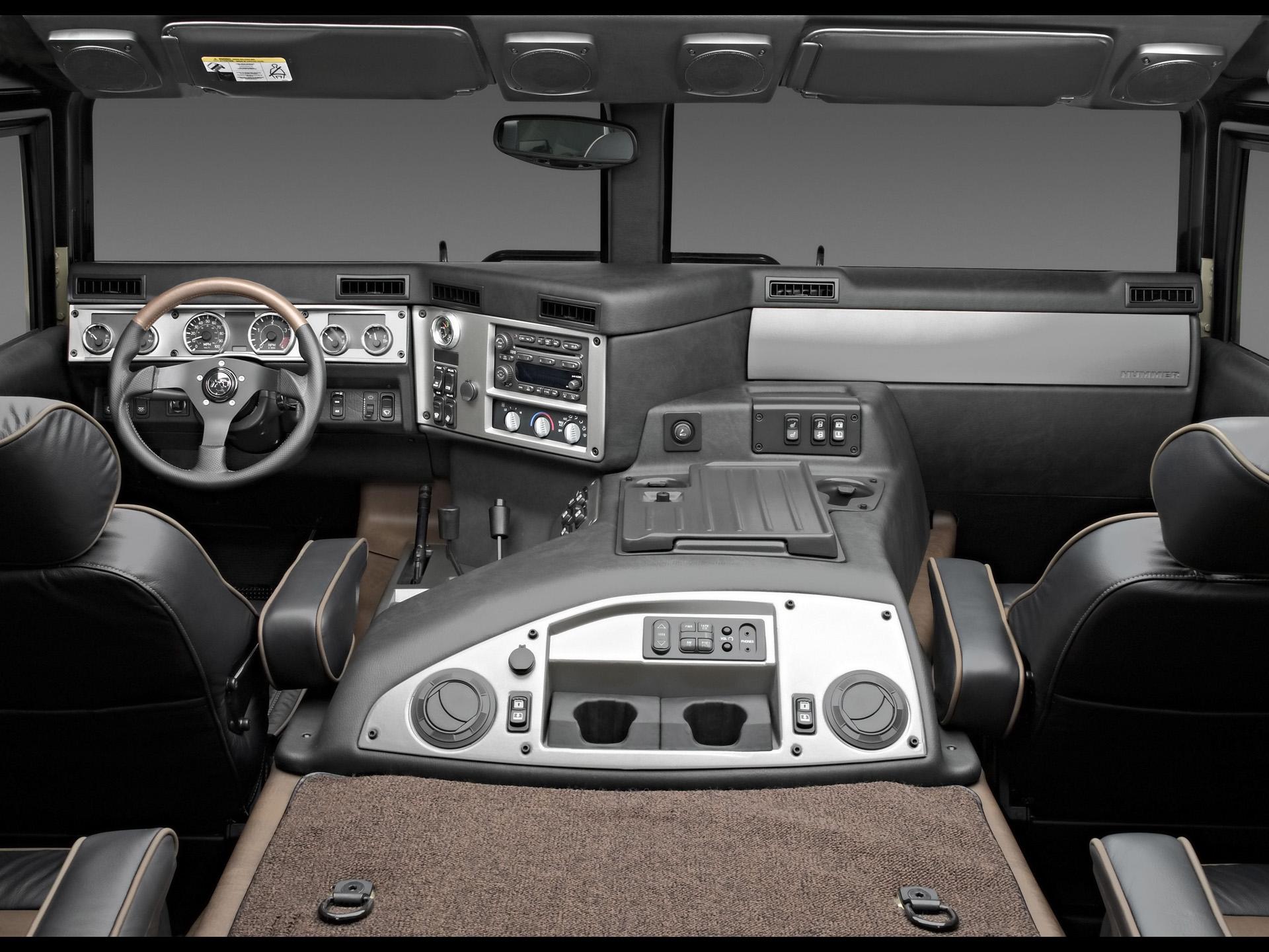 2004 Hummer H1 Inteior