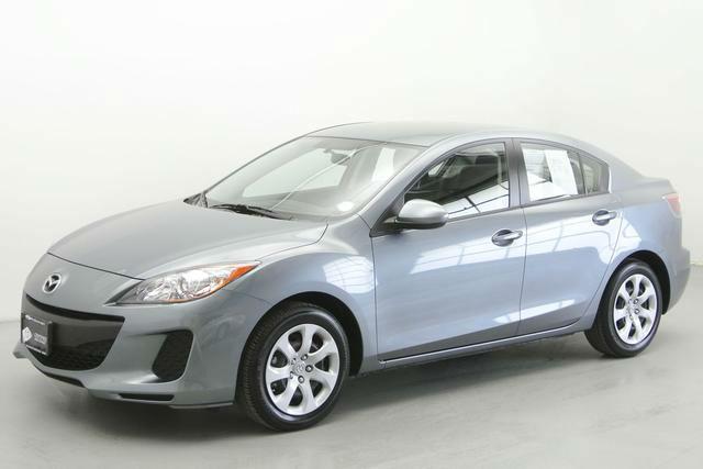 2013 Mazda3 i SV Sedan