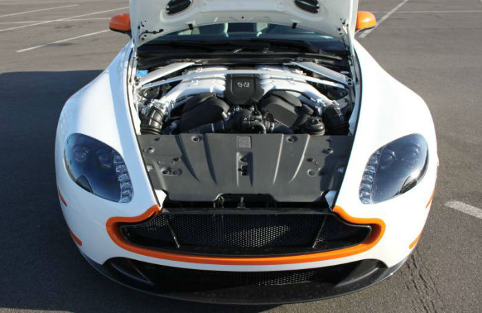 2017 Aston Martin Vantage v12 Engine