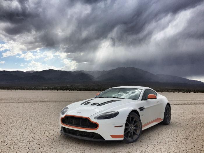 2017 Aston Martin Vantage v12 Model