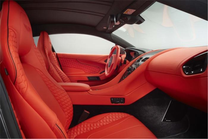 Aston Martin Vanquish 2017 Interior