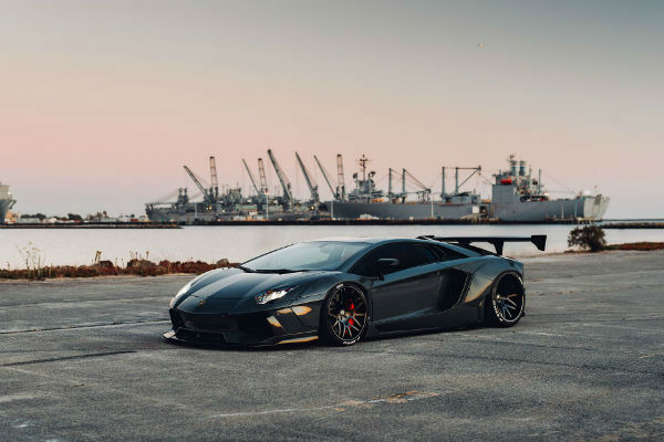 2020 Lamborghini Aventador Black
