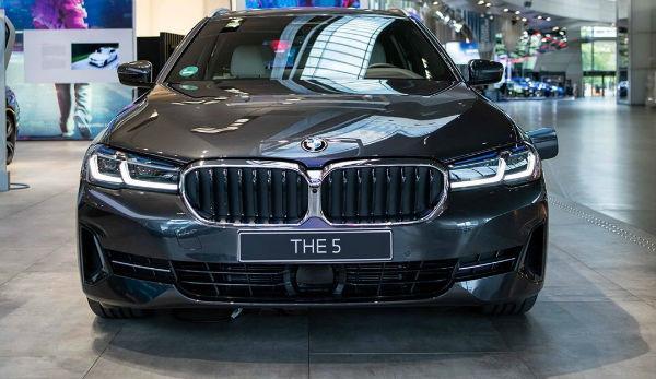 2021 BMW 5 Series Black